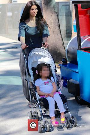 Roselyn Sánchez and Sebella Rose Winter - Roselyn Sánchez takes her daughter, Sebella Rose to the Farmers Market - Los...