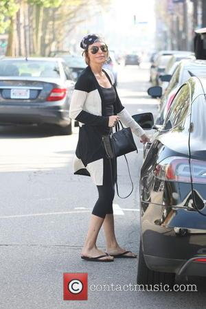 Lisa Rinna - Actress Lisa Rinna is all smiles as she leaves her yoga class in Studio City, Ca -...