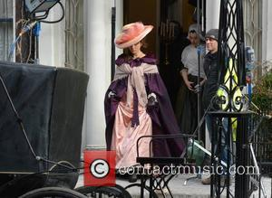 Kate Beckinsale - Actresses Chloe Sevigny and Kate Beckinsale on the set of 'Love And Friendship' filming in Dublin -...
