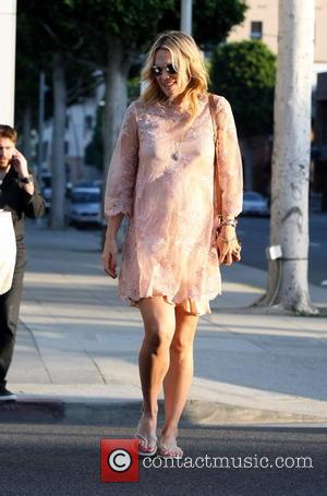 Molly Sims - Pregnant Molly Sims out and about after eating lunch at Le Pain Quotidien in Beverly Hills wearing...