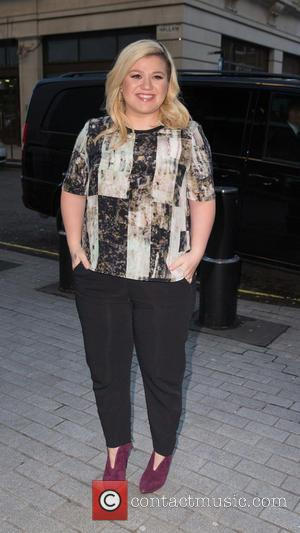 Kelly Clarkson - Kelly Clarkson arriving at the Radio 1 studio to appear as a guest on the Nick Grimshaw...