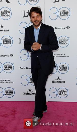 Diego Luna - 2015 Film Independent Spirit Awards - Arrivals at Independent Spirit Awards - Hollywood, California, United States -...