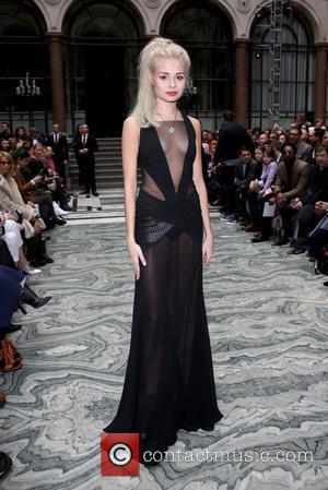 Nina Nesbitt - London Fashion Week Autumn/Winter 2015 - Julien Macdonald - Front Row at London Fashion Week - London,...