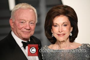 Vanity Fair, Jerry Jones and Eugenia Jones