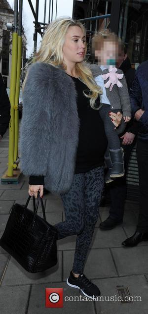 Petra Ecclestone - Tamara Ecclestone and Petra Ecclestone take daughters Sophia and Lavinia to 'C' restaurant in Mayfair for a...
