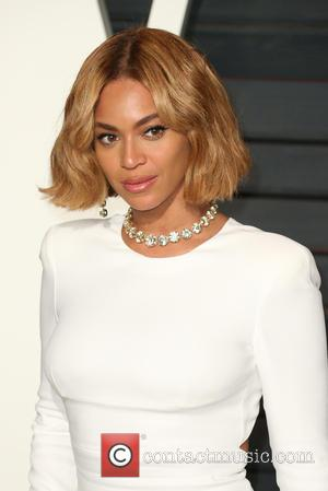 Beyoncé Shares Pics From Mother Tina's Wedding (Featuring An Adorable Blue Ivy)