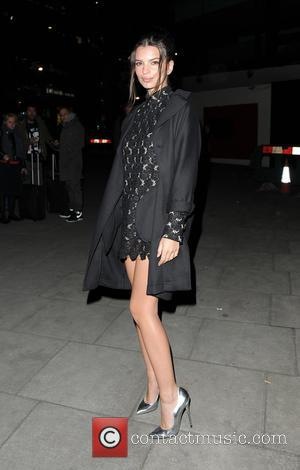 Emily Ratajkowski - London Fashion Week - Giles - Outside Arrivals at London Fashion Week - London, United Kingdom -...