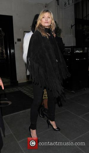 Kate Moss and Naomi Campbell - Kate Moss, Naomi Campbell and Mario Testino having lunch together at Scott's restaurant in...