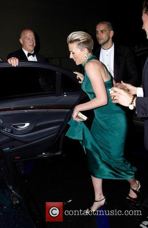 Scarlett Johansson and Romain Duriac - Scarlett Johansson and husband Romain Dauriac leaving The Palm restaurant in Beverly Hills after...