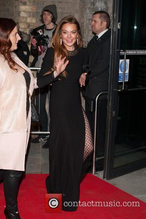 Lindsay Lohan's Mum In Talks For Celebrity Big Brother