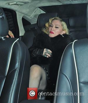 Madonna Denies Texting During Theatre Performance