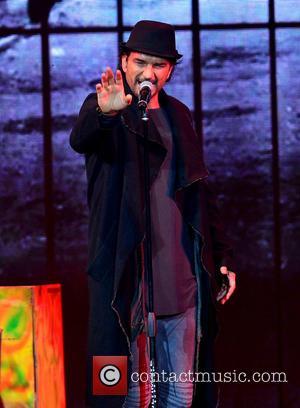 Ricardo Arjona - Ricardo Arjona performing on his 'Viaje Tour' at American Airlines Arena at American Airlines Arena - Miami,...