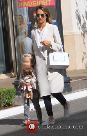 Jessica Alba and Haven Garner Warren - Jessica Alba and her husband Cash Warren take their daughters shopping at American...