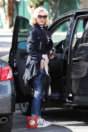 Gwen Stefani - Gwen Stefani takes her two eldest sons to their weekly soccer practice in Los Angeles. - Los...
