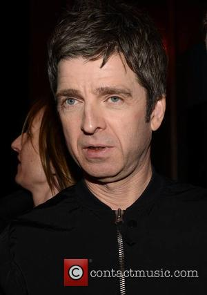 "Noel Gallagher: ""Taylor Swift a Songwriter? You're F*cking Lying"""