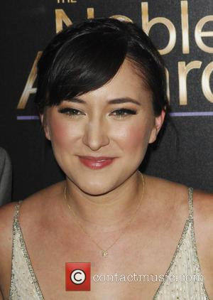 "Zelda Williams Explains Why Her Late Father, Robin Williams Is ""Impossible To Forget"""