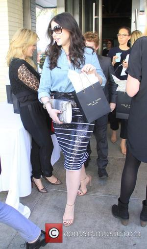 Michelle Trachtenberg - Shots of a variety of stars after having paid a visit to the Palm restaurant in Beverly...
