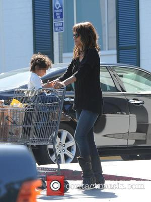Halle Berry and Maceo Martinez - Halle Berry picks up groceries at Bristol Farms with her son Maceo Martinez at...