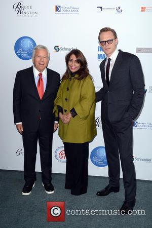 Robert Kraft, Muna Rihani Al-Nasser and Nia Sanchez