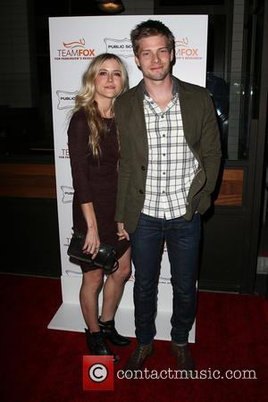 Hunter Parrish and Kathryn Wahl