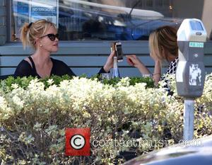 Melanie Griffith - Melanie Griffith having lunch with friends in Beverly Hills - Los Angeles, California, United States - Sunday...
