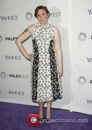 Lena Dunham Urges Fans To Cut Back On Twitter