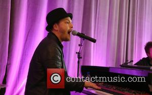 Gavin DeGraw - The Get In Touch Foundation's 2nd Annual 'PRETTY IN PINK' Luncheon & Women of Strength Awards -...