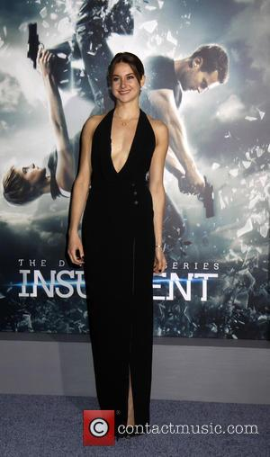 "'Insurgent' Reviews: ""The Plot Makes Zero Sense"""