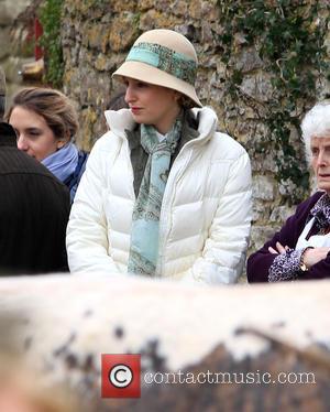 Laura Carmichael - The cast of 'Downton Abbey' film a market scene for the new series - Oxford, United Kingdom...