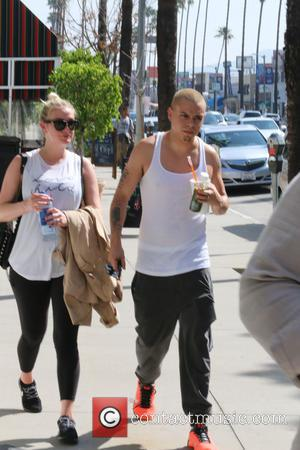 Ashlee Simpson and Evan Ross - Pregnant Ashlee Simpson and husband Evan Ross leaving a gym in Studio City -...