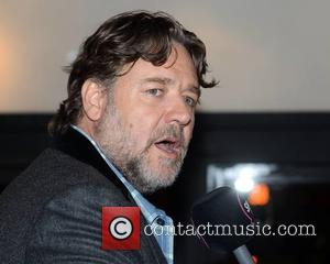 Australian Immigration Officials Urge Russell Crowe To Reapply