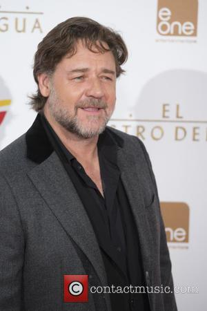 Russell Crowe - Shots of a variety of stars as they arrived to the Madrid premiere of Russel Crowes latest...