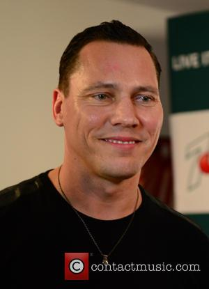 Tiesto: 'I Haven't Been Asked To Help David Guetta Fix His Dock; Boat Wreck Story Was Overblown'