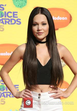 Kelli Berglund - A host of stars were snapped as they arrived for Nickelodeon's 28th Annual Kid's Choice Awards 2015...