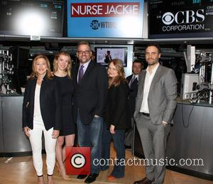 Edie Falco, Betty Gilpin, Stephen Wallem, Merritt Wever and Dominic Fumusa - Cast of 'Nurse Jackie' rings The New York...