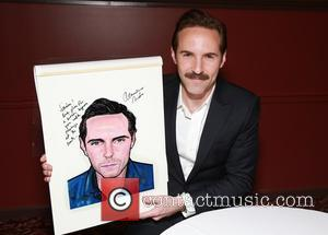 Alessandro Nivola - Cast members from 'The Elephant Man' receive their portraits at Sardi's famous theatre district eatery. at Sardi's,...