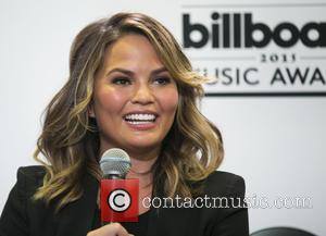 Chrissy Teigen Vows To Stop Airbrushing Her Social Media Snaps