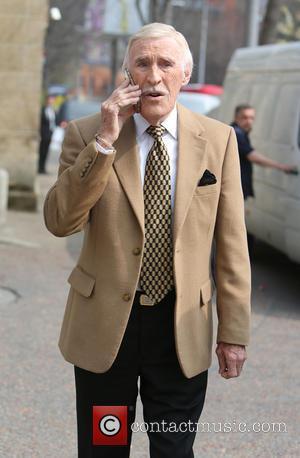 Sir Bruce Forsyth - Sir Bruce Forsyth outside the ITV Studios - London, United Kingdom - Wednesday 8th April 2015