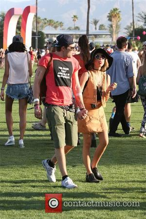 Sarah hyland and Dominic Sherwood - Sarah Hyland and her boyfriend Dominic Sherwood at Coachella 2015 - Week 1 -...