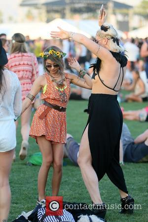 Sarah Hyland - Celebrities at Coachella 2015 at Coachella - Indio, California, United States - Saturday 11th April 2015