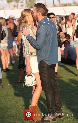 Kate Bosworth - Kate Bosworth and husband enjoy Coachella Day 2 at Coachella - Los Angeles, California, United States -...