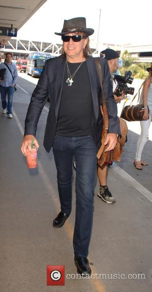 Richie Sambora - Richie Sambora at Los Angeles International Airport (LAX) at LAX - Los Angeles, California, United States -...
