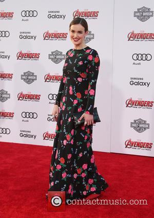 Elizabeth Henstridge - Shots of a host of stars as they attended the premiere of Marvel's