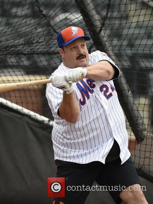 Kevin James - The King of Queens sitcom actor Kevin James, takes batting practice at Citi Field stadium in Queens,...