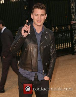 Jeremy Irvine Struggled With Rubber Prosthetics And Heat In Beyond The Reach