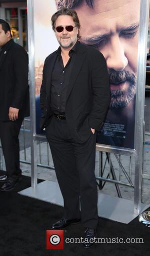 Russell Crowe - A variety of stars were photographed as they arrived to the premiere Of Warner Bros. Pictures'