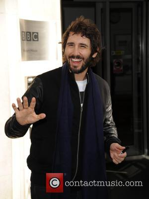 Josh Groban Returns To Sing Donald Trump's Tweets On 'Jimmy Kimmel Live!'