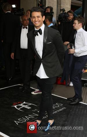 Ollie Locke - The 5th Asian Awards held at the Grosvenor House Hotel - Arrivals at Grosvenor House Hotel, Park...