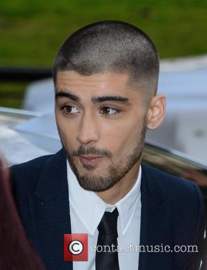 Zayn Malik Debuts New Hairstyle During First Post One Direction Appearance At Asian Awards [Pictures]