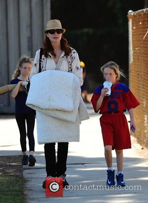 Marcia Cross, Savannah Mahoney and Eden Mahoney